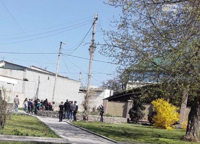 Масова бійка у центрі Вознесенська - кремезні чоловіки розбили голову жінці, фото-1