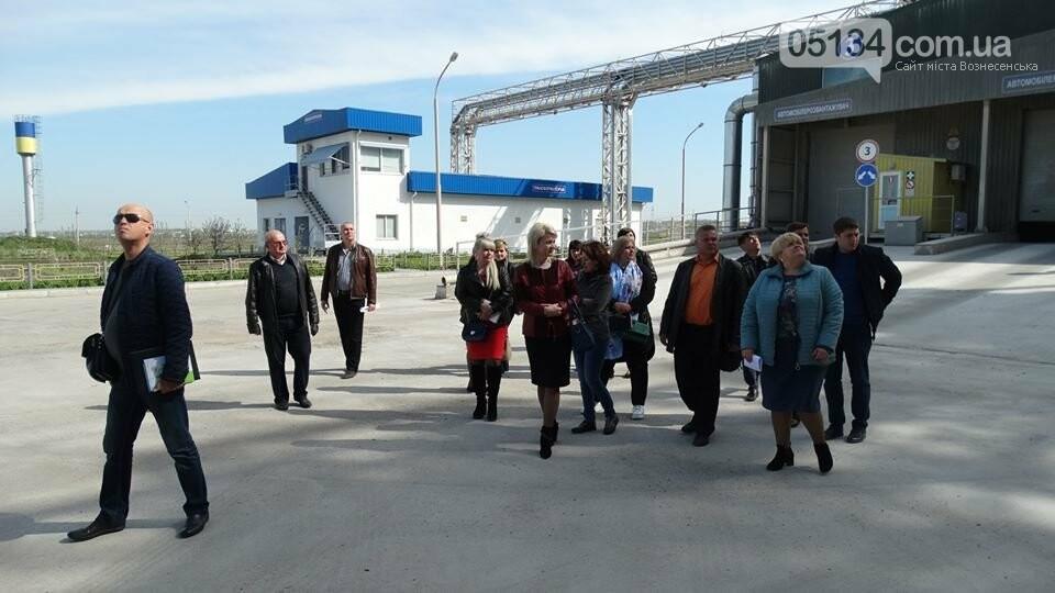 """Екскурсія по Вознесенському """"Нібулону"""" - на оглядини прибула делегація держслужбовців, фото-4"""