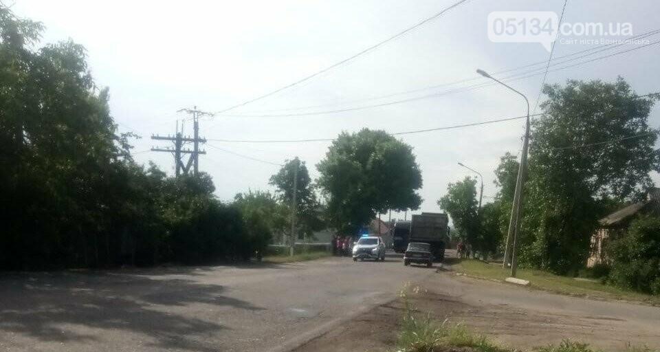 У Вознесенську в мікрорайоні Болгарка місцеві жителі заблокували дорогу, фото-1