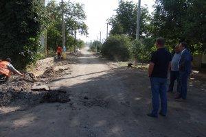 Нагальні проблеми будівництва нової дороги по вулиці Леонова обговорив з підрядником міський голова Віталій Луков, фото-1